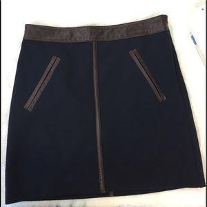 NWT Club Monaco mini skirt size 0, Dark Blue/Brown